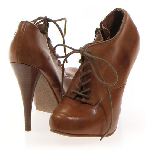 Steve Madden Booties in size 5.5 Women's at up to 95% Off - Swap.com
