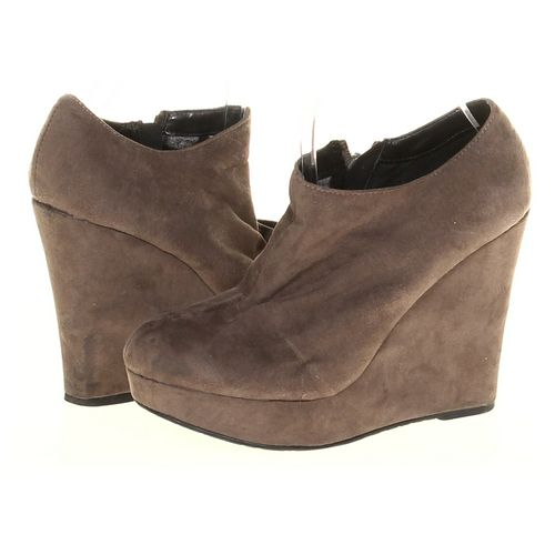 Chinese Laundry Booties in size 7.5 Women's at up to 95% Off - Swap.com