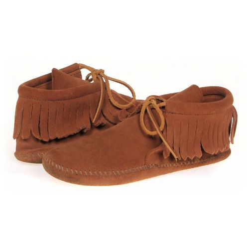 Minnetonka Booties in size 7.5 Women's at up to 95% Off - Swap.com