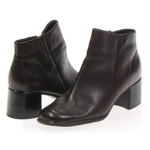 white mt. Boots in size 11 Women's at up to 95% Off - Swap.com