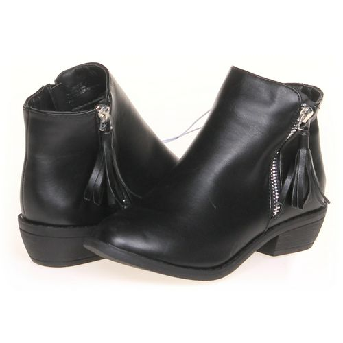 Boots in size 2 Youth at up to 95% Off - Swap.com