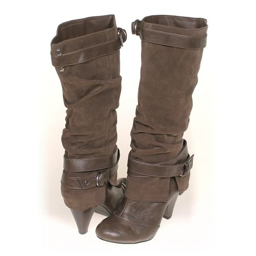 FERGALICIOUS Boots in size 6.5 Women's at up to 95% Off - Swap.com
