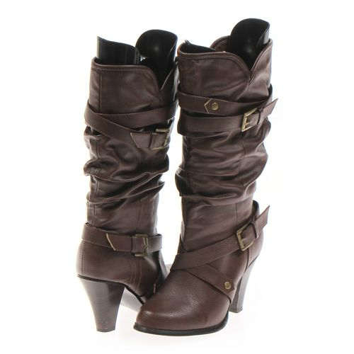 Target Boots in size 7.5 Women's at up to 95% Off - Swap.com