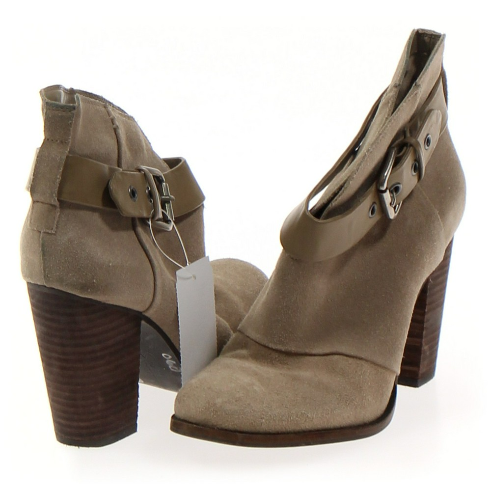 fd991dd263 Jessica Simpson Boots in size 7.5 Women s at up to 95% Off - Swap.