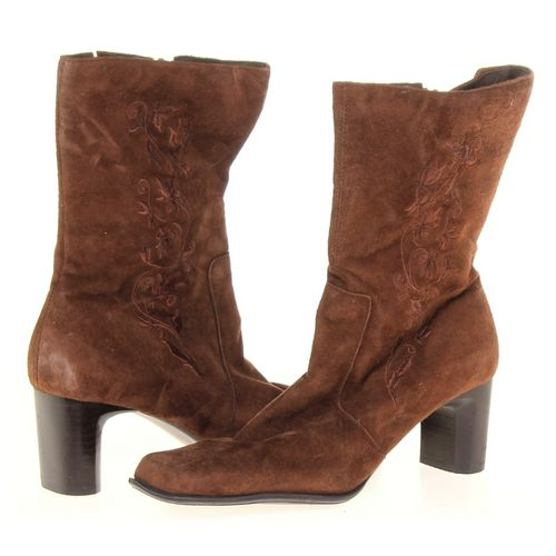 white mt. Boots in size 8 Women's at up to 95% Off - Swap.com