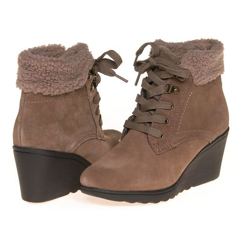 White Mountain Boots in size 8.5 Women's at up to 95% Off - Swap.com