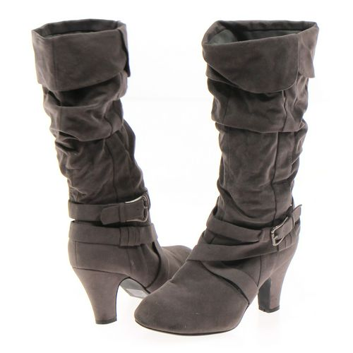 Boots in size 8.5 Women's at up to 95% Off - Swap.com
