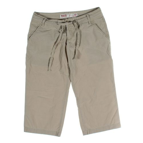 Mossimo Supply Co. Capri Pants in size JR 3 at up to 95% Off - Swap.com