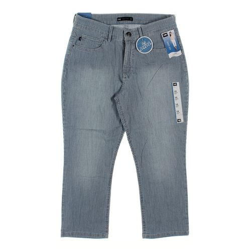 Lee Capri Pants in size 10 at up to 95% Off - Swap.com