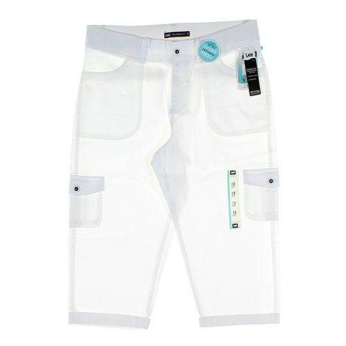 Lee Capri Pants in size 12 at up to 95% Off - Swap.com