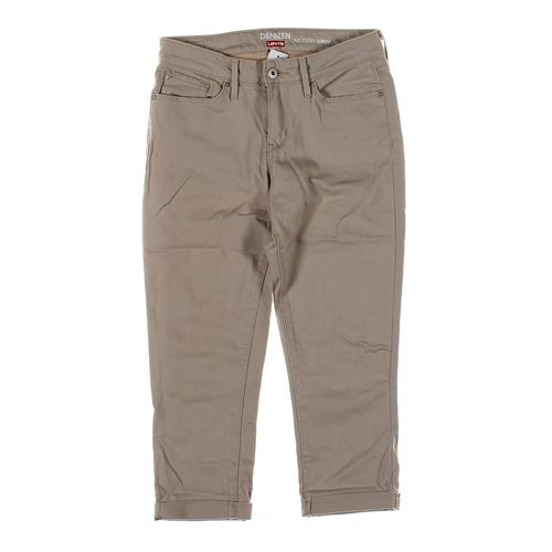 Levi's Capri Pants in size 6 at up to 95% Off - Swap.com