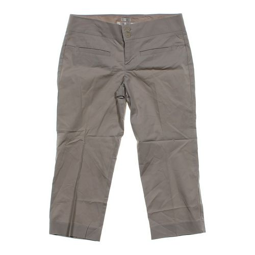 Old Navy Capri Pants in size 6 at up to 95% Off - Swap.com
