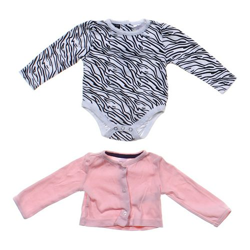Carter's Cute Bodysuit Set in size 6 mo at up to 95% Off - Swap.com