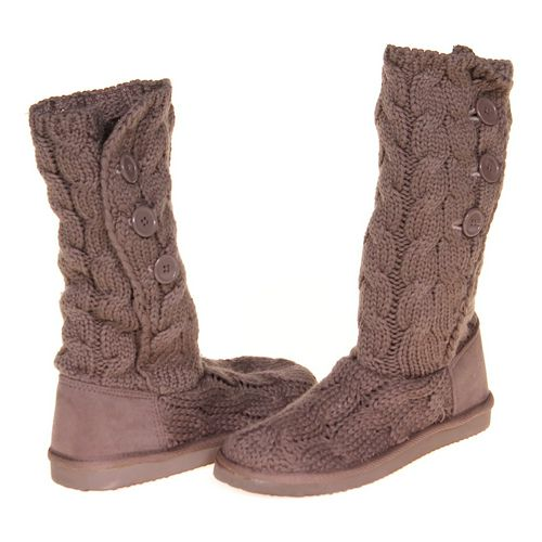 Cute Sweater Boots in size 8 Women's at up to 95% Off - Swap.com