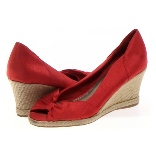Life Stride Espadrilles in size 8 Women's at up to 95% Off - Swap.com
