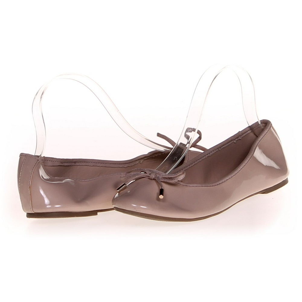 Forever 21 Flats in size 7.5 Women s at up to 95% Off - Swap. 19fcdf5bfb