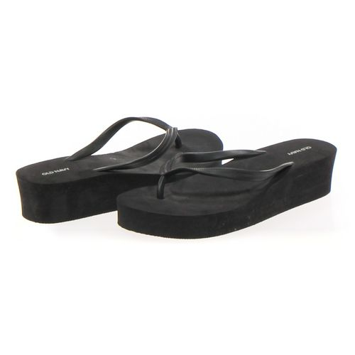 Old Navy Flip-Flops in size 6.5 Women's at up to 95% Off - Swap.com