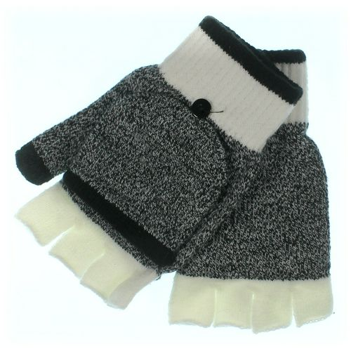 Old Navy Gloves at up to 95% Off - Swap.com