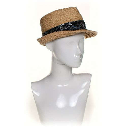 Levi's Hat at up to 95% Off - Swap.com