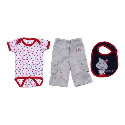 Little Legends Heart Outfit in size 6 mo at up to 95% Off - Swap.com