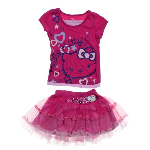 Hello Kitty Hello Kitty Outfit in size 7 at up to 95% Off - Swap.com