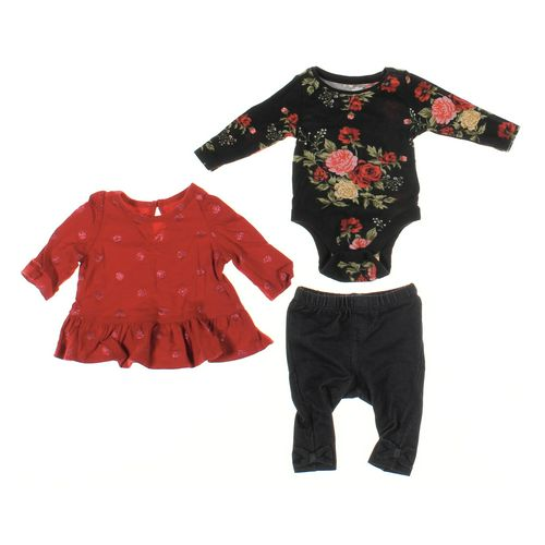 Old Navy Infant Clothing Set in size NB at up to 95% Off - Swap.com
