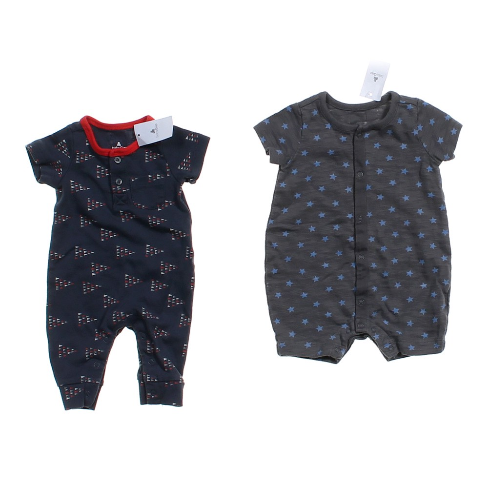 Rompers from Gap are adorable and perfect for any season. Bright colors and cute prints mark this wonderful collection. You will love the different styles available for your baby for every type of weather.