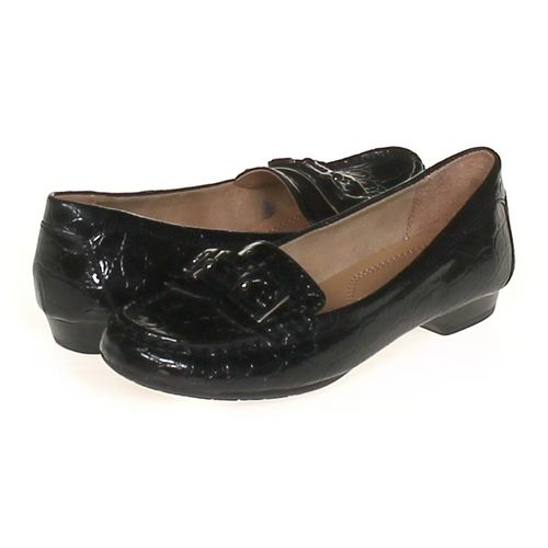 UNIQLO Loafers in size 6 Women's at up to 95% Off - Swap.com