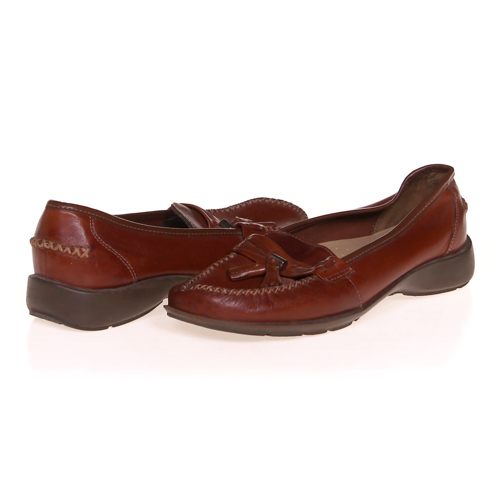 e4ac24e0ec1 Thom McAn Loafers in size 8.5 Women s at up to 95% Off - Swap.