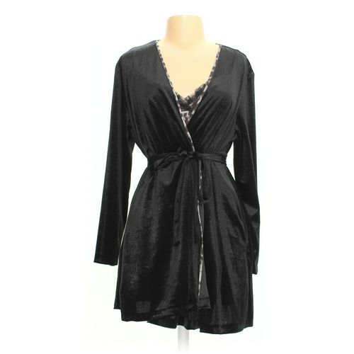 Flora Nightgown & Robe Set in size L at up to 95% Off - Swap.com