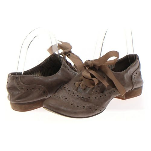 Restricted Oxford in size 6 Women's at up to 95% Off - Swap.com