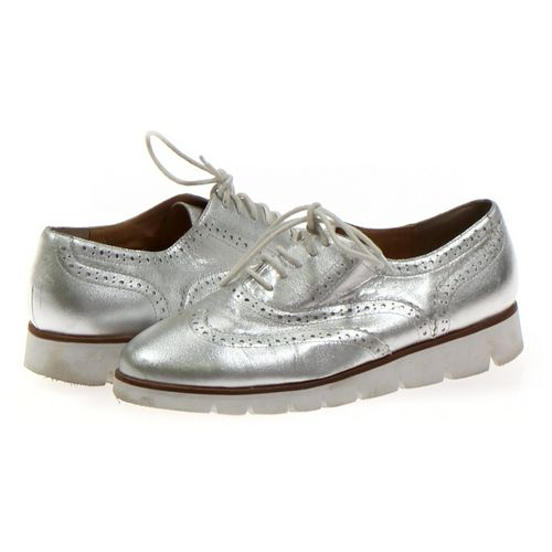 Enchanted Oxford in size 8 Women's at up to 95% Off - Swap.com