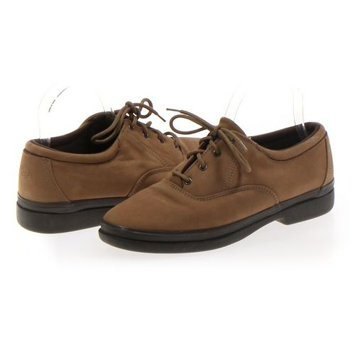 Easy Spirit Oxford in size 8.5 Women's at up to 95% Off - Swap.com