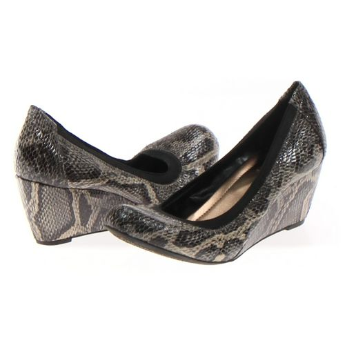BCBGMAXAZRIA Pumps in size 5.5 Women's at up to 95% Off - Swap.com