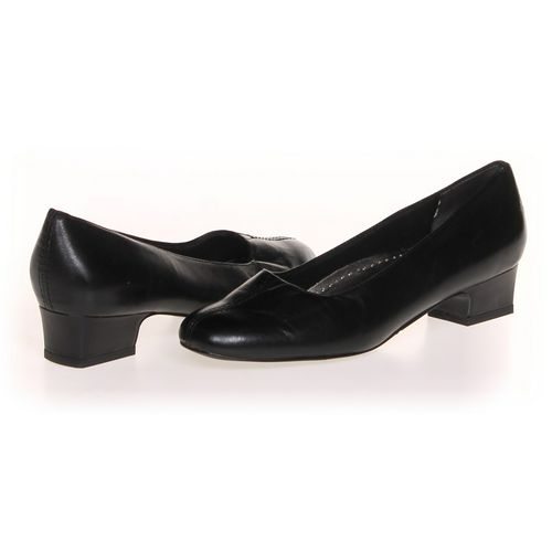 Trotters Pumps in size 6 Women's at up to 95% Off - Swap.com