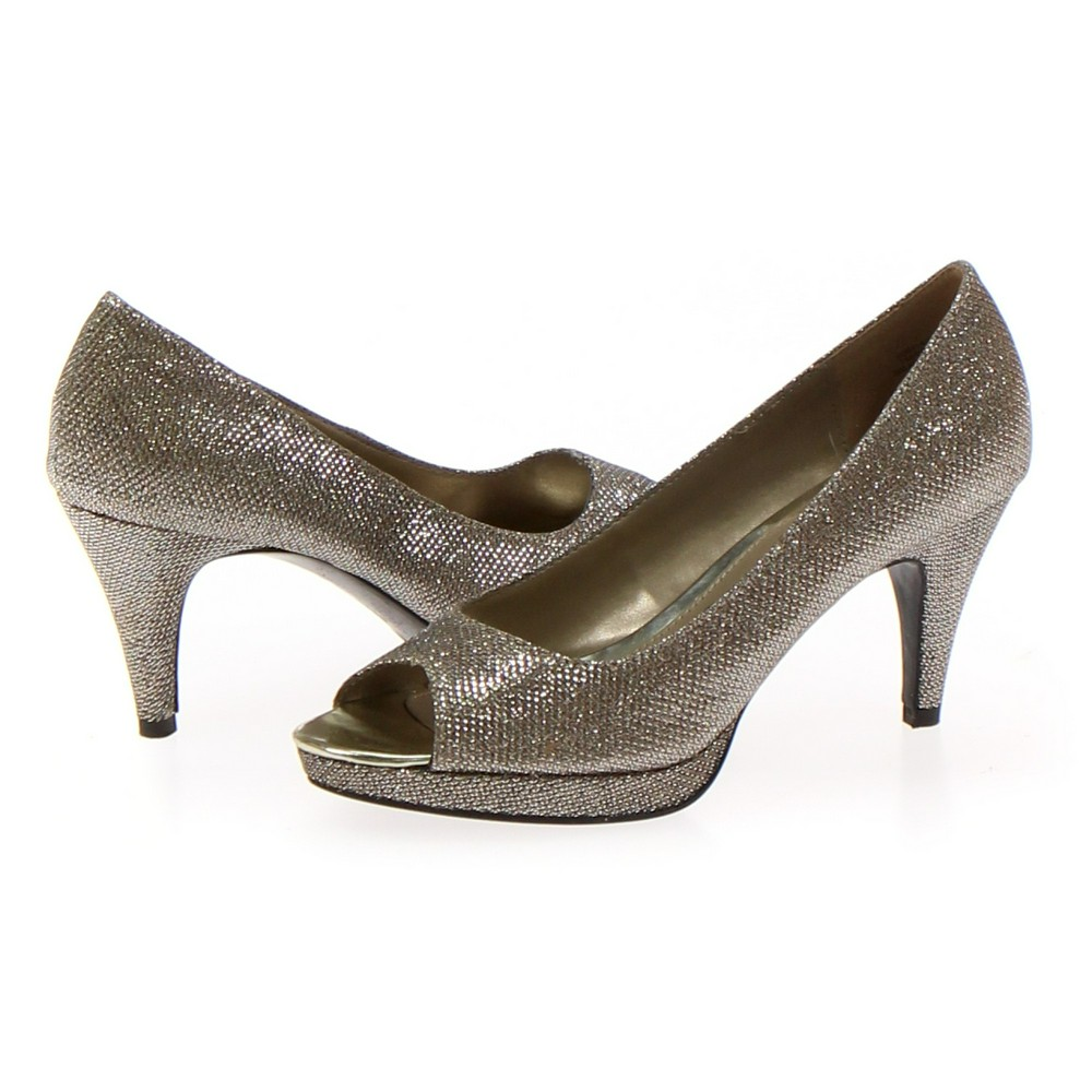 ccf9f1df08 Bandolino Pumps in size 6.5 Women's at up to 95% Off - Swap.com