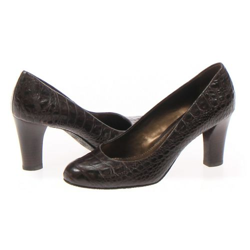 Liz Claiborne Pumps in size 6.5 Women's at up to 95% Off - Swap.com