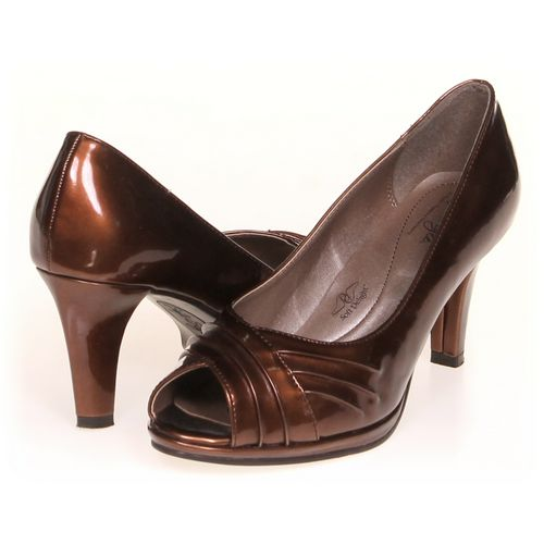 Soft Style Pumps in size 7 Women's at up to 95% Off - Swap.com