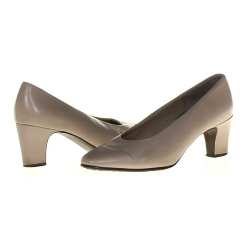 Easy Spirit Pumps in size 7.5 Women's at up to 95% Off - Swap.com