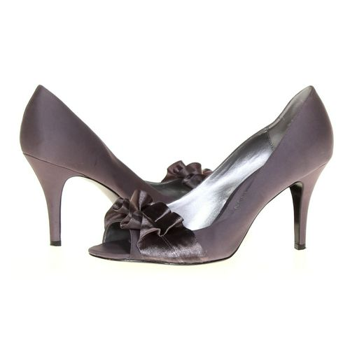 Michael Shannon Pumps in size 8 Women's at up to 95% Off - Swap.com