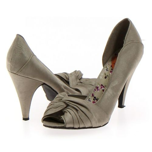 Rocket Dog Pumps in size 8.5 Women's at up to 95% Off - Swap.com