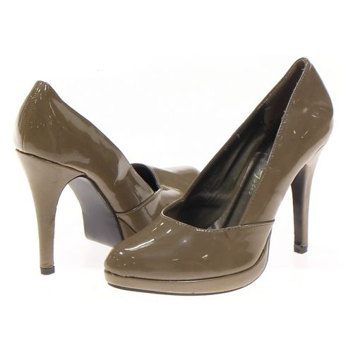 Romantic Soles Pumps in size 8.5 Women's at up to 95% Off - Swap.com