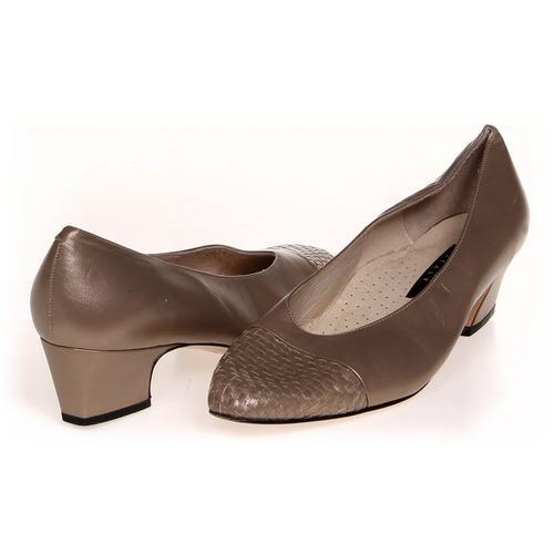 Amalfi Pumps in size 9.5 Women's at up to 95% Off - Swap.com