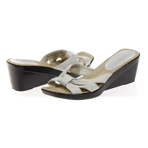 Liz Claiborne Sandals in size 10 Women's at up to 95% Off - Swap.com