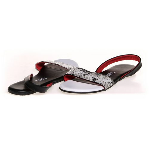 Tkees Sandals in size 10 Women's at up to 95% Off - Swap.com