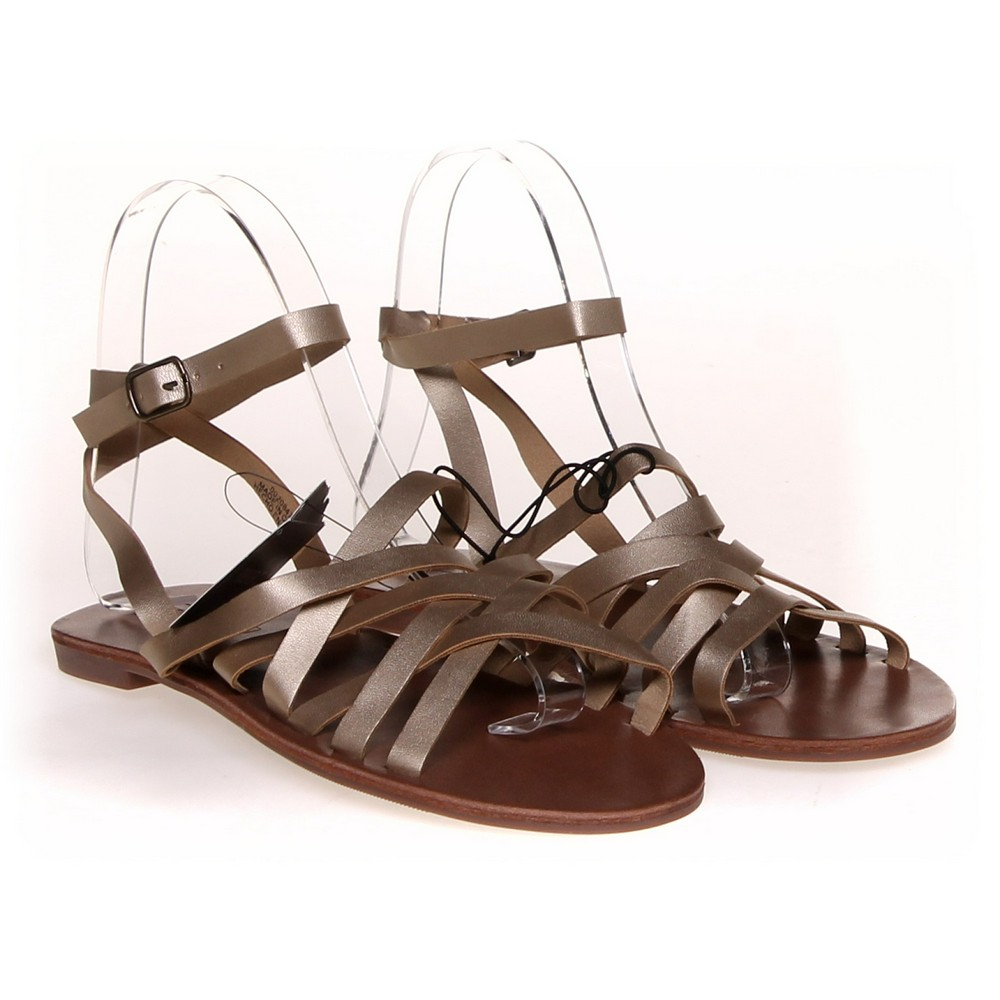 8565ec8fdfc Forever 21 Sandals in size 5.5 Women s at up to 95% Off - Swap.