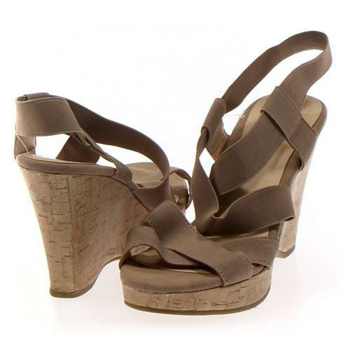 CL by Laundry Sandals in size 6.5 Women's at up to 95% Off - Swap.com