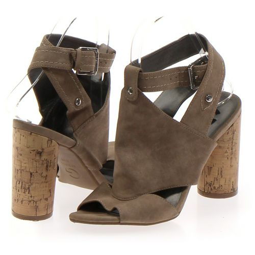 G by GUESS Sandals in size 6.5 Women's at up to 95% Off - Swap.com