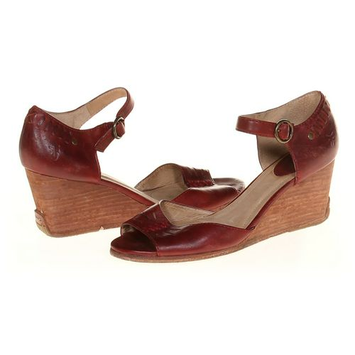Sandals in size 7.5 Women's at up to 95% Off - Swap.com