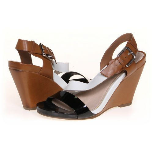 KENNETH COLE REACTION Sandals in size 7.5 Women's at up to 95% Off - Swap.com